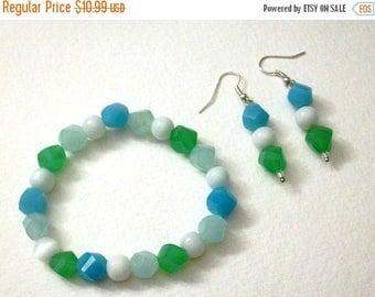 ON SALE Retro Glass Stretch Bracelet Glass Dangle Earrings Set 30317