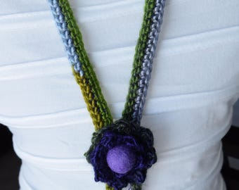Handmade necklace crochet Creation crochet Long necklace crocheted in green and purple, crocheted Flower necklace, Rose Creations