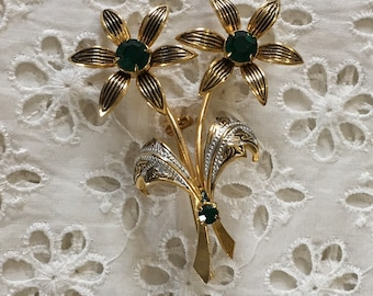 Damascene brooch with green stones