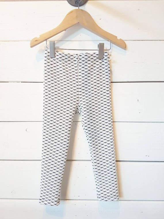 IRIS - long legging for kids: girls & boys - ivory with black triangles pattern