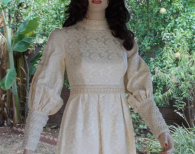 Vintage 70s Cottage Chic Woodland Renaissance Costume White Bead Floral Brocade Edwardian Steampunk Victorian Womens Wedding Dress & Train