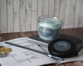 SALE! Ravenclaw 7,7 oz / Bookish Candle / inspired from Harry Potter / blue