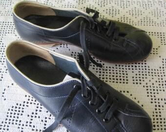 Vintage Artist #6 bowling shoe / Vintage Shoe of Skittles Artist 6