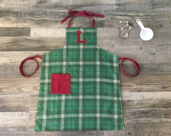 Kids Personalized Green Plaid Apron, Red and Green Plaid Apron, Green Custom Kids Apron, Plaid Apron, Kids Apron, Baking Apron, Art Apron