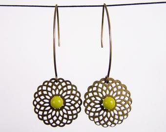 Engraving filigree bronze and light khaki green cabochon earrings