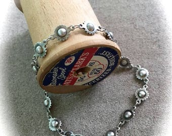 Antique silver ball with scalloped edge chain bracelet