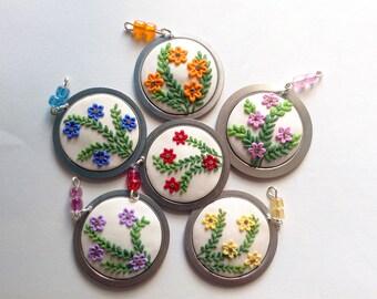 Ciondoli fioriti