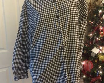 Black and white flannel print cheistmas blouse with snowflakes and velvet collar