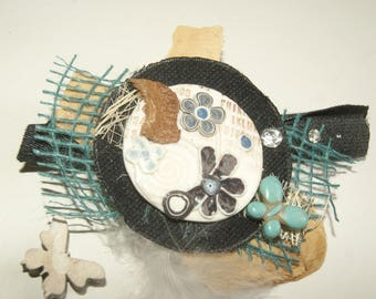 jeans and polymer round brooch