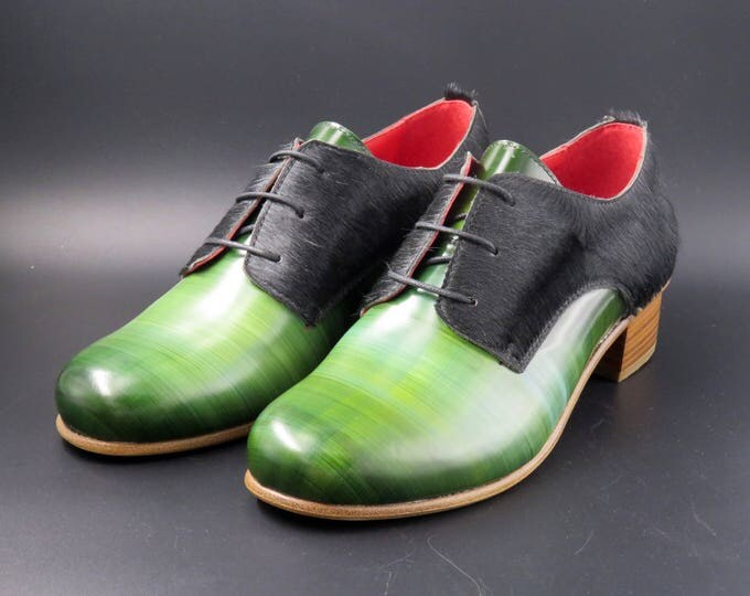 Featured listing image: Leather medium heel women shoes w/ Leather matching bag | Green and black