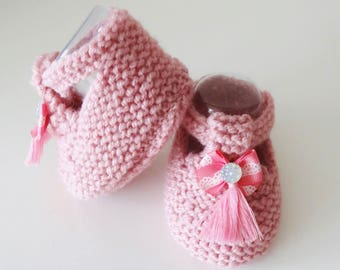 baby shoes in pink wool with tassel - 1/3 month baby booties