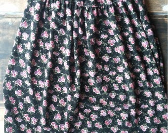 SALE! // Fritzi Floral Seamed Skirt