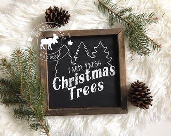 Farm Fresh Christmas trees // Christmas sign // christmas tree sign // farmhouse christmas // christmas decor // holiday decor