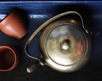 Hand Crafted Indian Brass Kettle With Handle & Lid,  L 20 cm x H 20 cm x Dia 15 cm, Home Decor, Brass Teapot