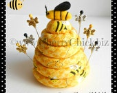 Quilting Bees Pincushion - Bee Pincushion - Bee Sewing Pins - Bee Hive - Sewing Pins - Quilting Bee - Gift for Quilter - Cherry Chick - Bees