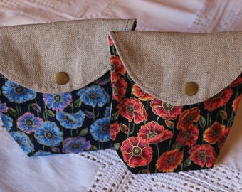 Mini zippered pouch lined in linen and poppies pattern