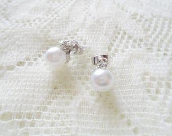 Silver Crystal Pearl stud earring, Pearl earring