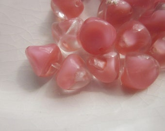 29 Glass Beads, Clear with Pink Givré, 7mm Nugget Shape with Triangular Sides
