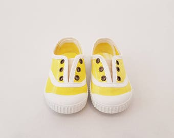 Embolikats Shoes Amarillo sneakers grommets