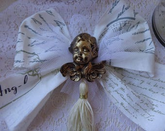 Node romantic to hang on the Christmas tree with Golden resin Angel