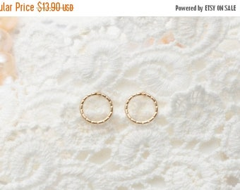 SALE - Circle Studs - Gold Circle Earrings - Open circle stud earrings - Round circle earrings - Gift for Mom