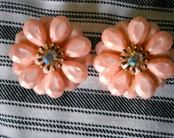 "50""s Pink Petal clip earrings"