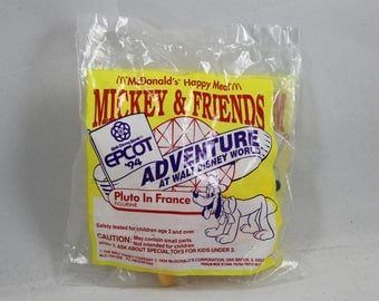 Mickey & Friends Pluto In France 1994Vintage McDonald's Happy Meal Toy Figurine New Sealed Unopened