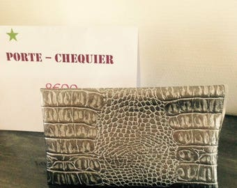 Silver leatherette imitation snake skin checkbook