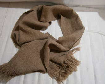 Hand-woven scarf with tobacco color