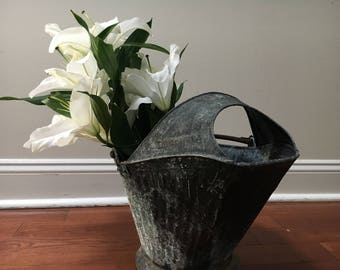 Cool Vintage Reeves English Coal/Ash Bucket with Shovel