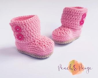 Crochet wrap button up booties. Babyshower gift. Photography Prop. 0-3 month/newborn.