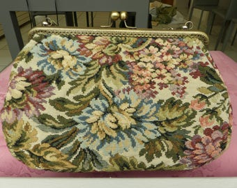great vintage bag / / retro bag / / fabric decoration / / old style bag / / clasp / / vintage clasp