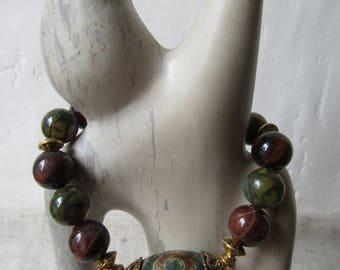 Boho ethnic Tibetan bracelet with a Tibetan agate Dzi green, agates dragon veins green