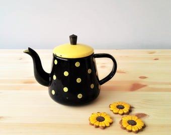 Decorative Polka Dot Tea Pot - French Théière  Emaillee - Fifties/Sixties Kitchen Decor