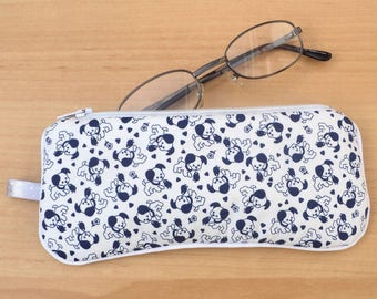 Glasses case / pouch / clutch small dogs and hearts
