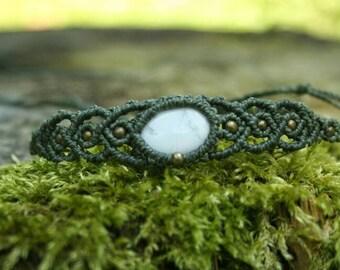 Macrame bracelet with magnesite