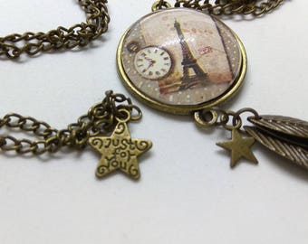 glass cabochon Paris and Eiffel Tower vintage necklace