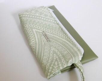 Inspire Travel Pouch // Clutch // Cosmetic Bag // Sea Foam Print // True Leaf Collection // Clair-Ashley
