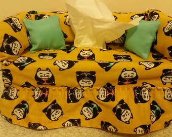 Cat stylized motif couch tissue box cover.