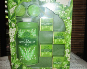 Vintage Boots Flower Garden Lily of the Valley  Set in Original Packaging - Bath Cube / Soap / Talc  (1960s)