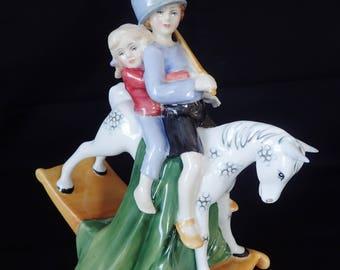 Royal Doulton Hold Tight HN 3298 Figurine