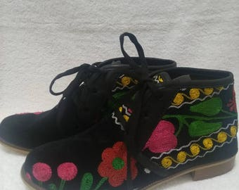 Suzani shoes..Handmade colorfull..Every size is possible