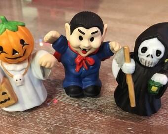 Set of 3 ceramic Halloween trick or treaters. Dracula vampire, grim reaper and  pumpkin ghost
