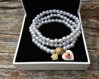 White Pearl Bracelet, Elastic Bracelet, Pearl wedding bracelet, Bridal jewelry,  Gift for Her