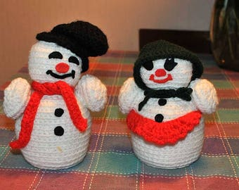Vintage Crocheted Mr & Mrs Snowman Christmas Decoration / Frosty the Snowman / Crocheted Holiday Decor / Holiday Table Decorations