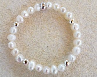 White Pearl Bracelet with Silver Beads, White Freshwater Pearls, White Bracelet, Pearl Bracelet, Silver Accent Beads, Silver Beads, Pearls