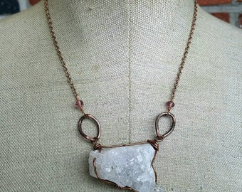 Raw large Quartz druzy crystal statement necklace with vintage copper chain - Cirulate good vibes - rose gold