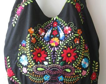 Mexican Bag/Mexican Embroidered Bag/Embroidered Bag/Mexican Dress/Boho Embroidered Bag/Boho Bag/Frida Bag/Huipil/Black Bag/Mexican Purse