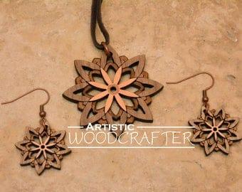 Wooden Flower Necklace (Walnut/Cherry)