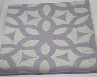 Table Runner - Soft Lilac & Cream